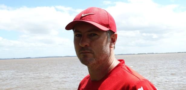 Odair Hellmann sobreviveu a tragédia em 2009 e é auxiliar-técnico de Abel Braga
