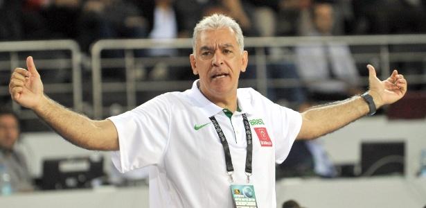 Zanon, técnico da seleção feminina de basquete, disse que boicote não atrapalhará seleção