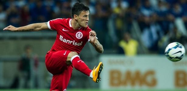 Aránguiz deve ser vendido por R$ 56 milhões. Inter tem 50% do volante chileno - Alexandre Lops/AI Inter