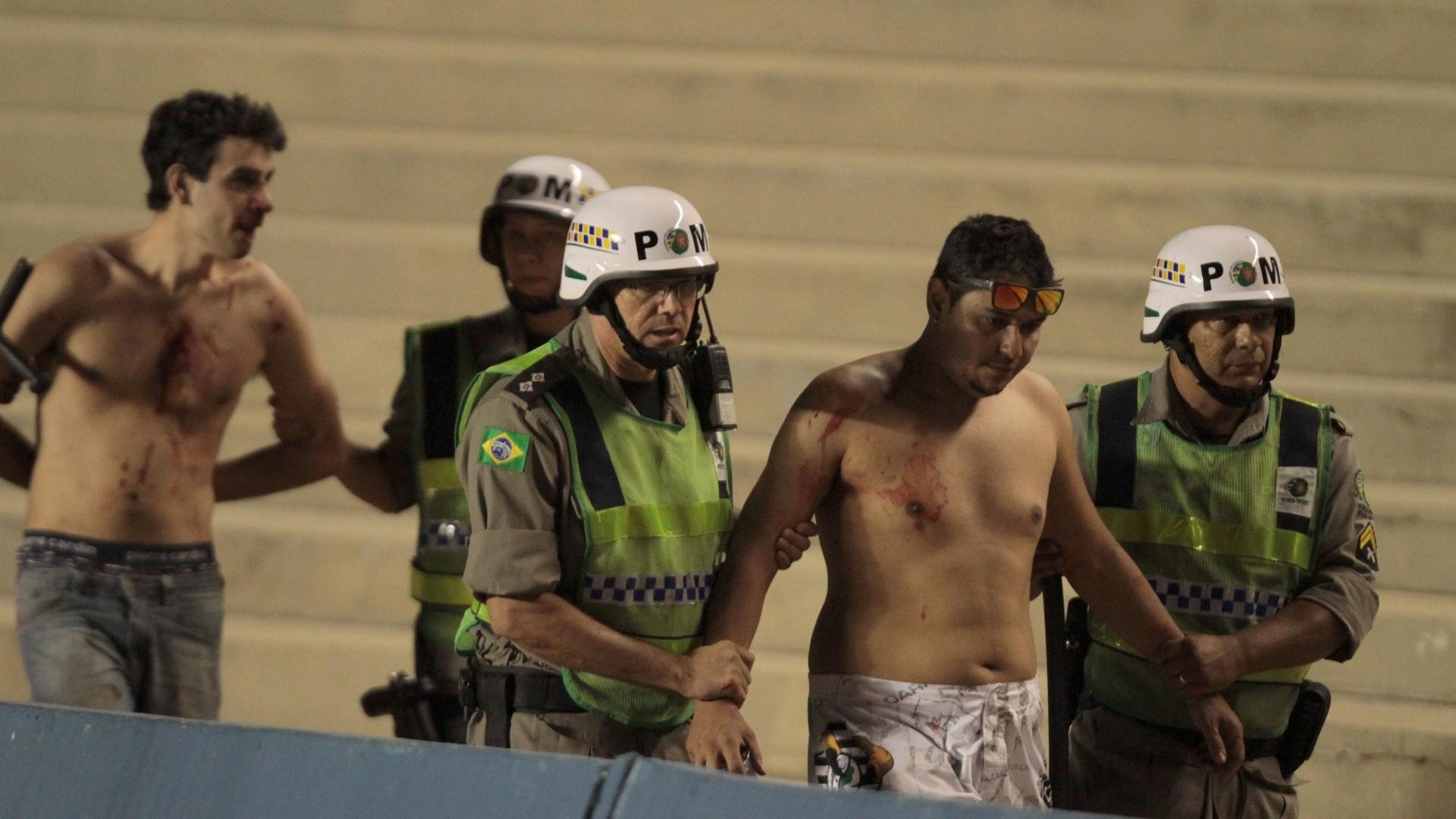 Torcedores do Goiás são detidos após briga nas arquibancadas do Estádio Serra Dourada