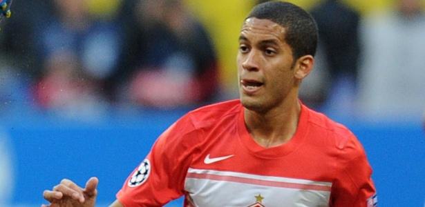 Romulo é o nome do Flamengo para preencher a vaga de primeiro volante