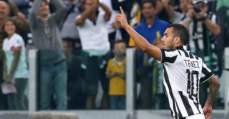 Tévez comemora gol no clássico contra a Roma. Argentino anotou duas vezes de pênalti