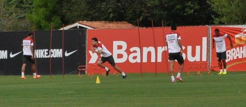 06 out 2014 - Nilmar é integrado ao elenco do Inter definitivamente