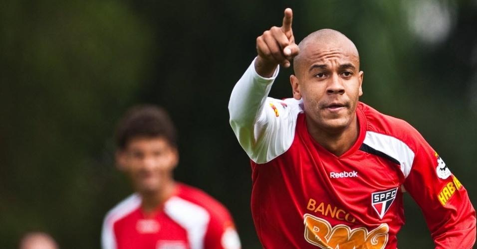 Alex Silva nos tempos de São Paulo; jogador acertou com São Bernardo