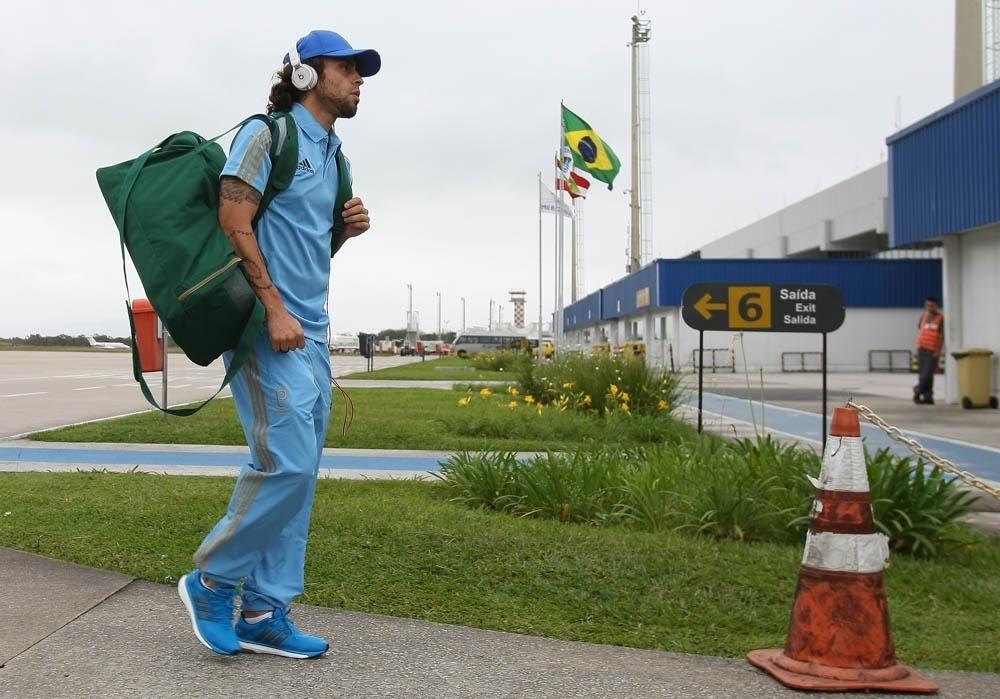 Valdivia desembarca em Florianópolis para jogo contra o Figueirense