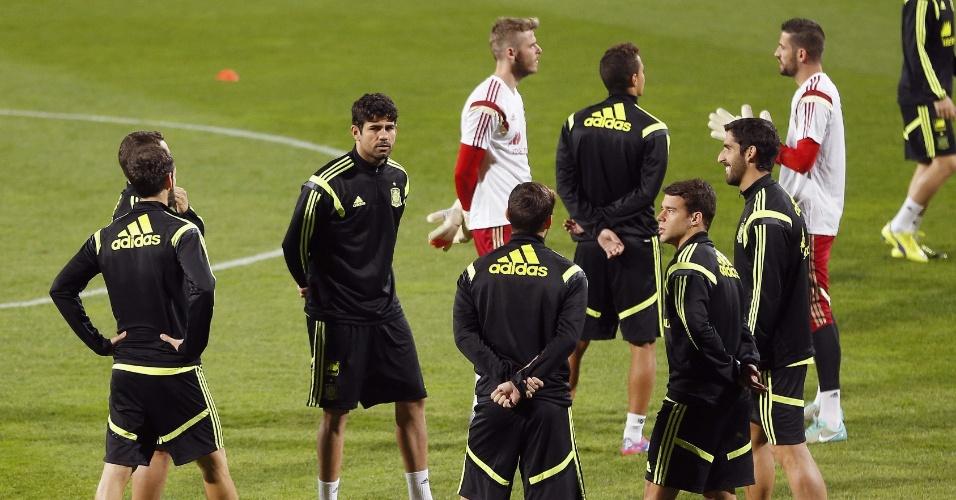 08. out. 2014 - Diego Costa participa de treinamento com a seleção espanhola. A equipe enfrenta a Eslováquia pelas eliminatórias da Eurocopa, nesta quinta (8)