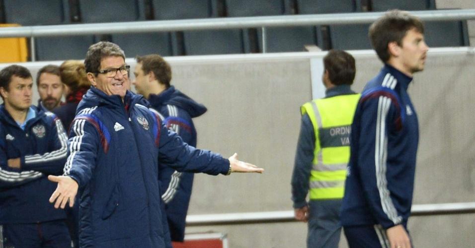 08. out. 2014 - O treinador da Rússia, Fabio Capello, orienta sua equipe em treinamento antes da partida contra a Suécia, nesta quinta pelas eliminatórias da Eurocopa