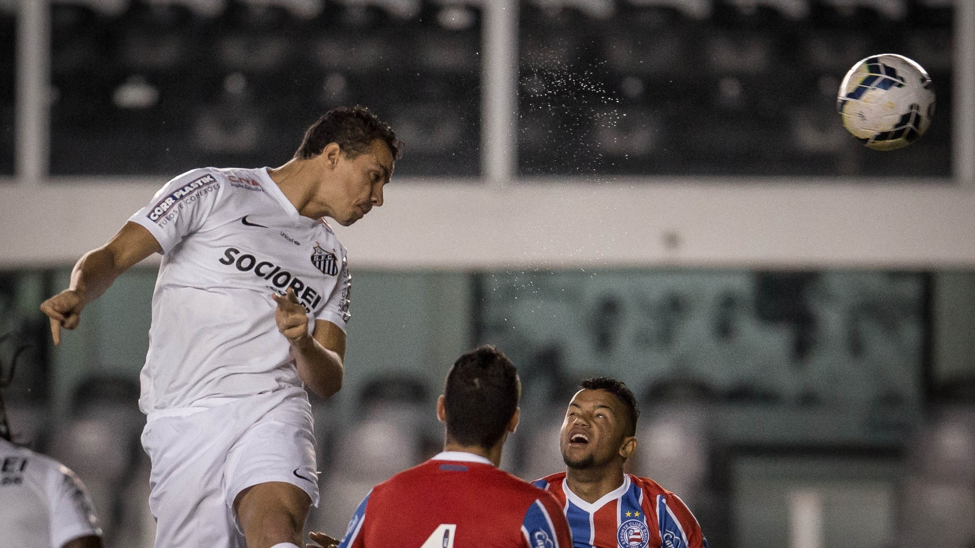 Damião participou das principais jogadas ofensivas do primeiro tempo