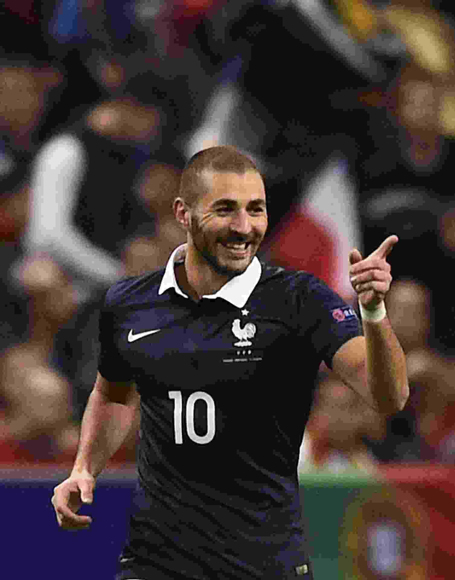 Karim Benzema, atacante da França, comemora gol marcado contra Portugal durante amistoso entre as duas seleções - AFP PHOTO / FRANCK FIFE
