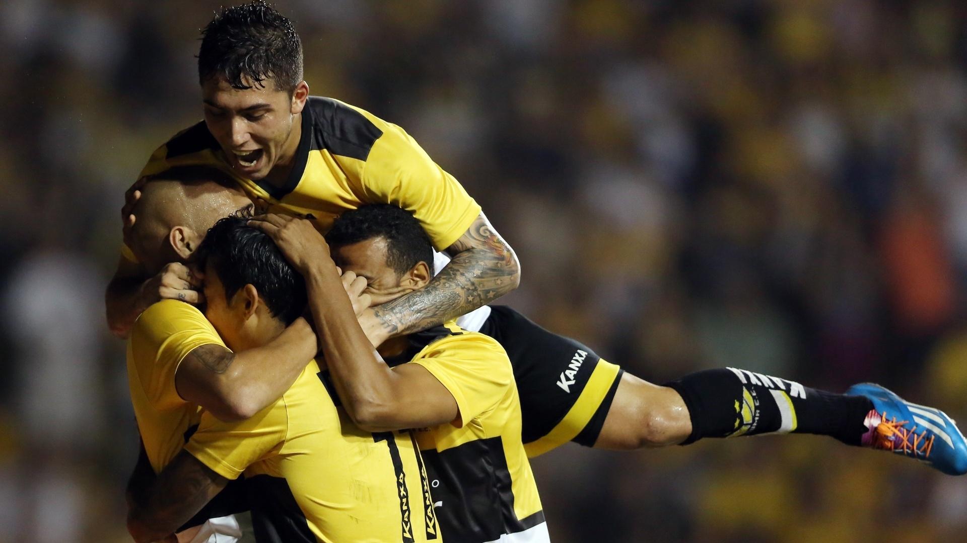 Criciúma fez 3 a 0 no Santos em casa pelo Campeonato Brasileiro