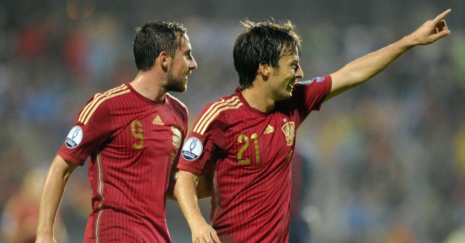 David Silva, meia da Espanha, comemora gol marcado contra Luxemburgo, em confronto válido pelas Eliminatórias da Euro 2016