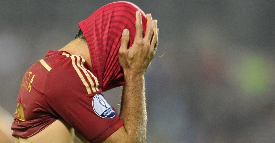Diego Costa, da Espanha, lamenta oportunidade perdida na partida contra Luxemburgo, pelas Eliminatórias da Euro