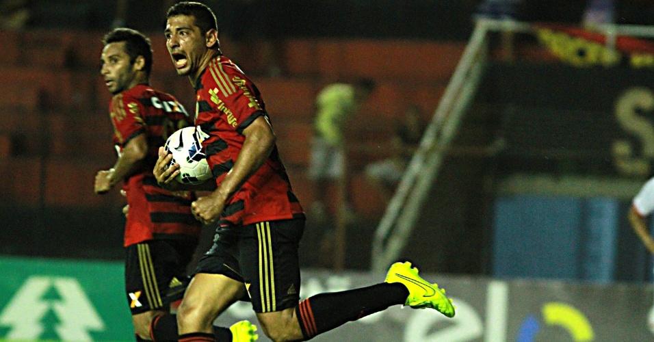 Diego Souza descontou para o Sport contra o Vitória