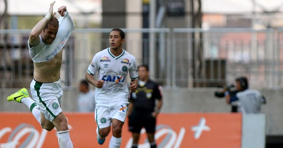 Tiago Luis fez o gol da Chapecoense contra o Bahia