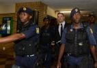 Pistorius aguardará pena em liberdade após pagamento de fiança
