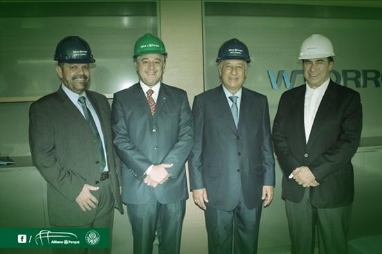 Paulo Nobre e Marco Polo Del Nero estiveram nas instalações de futuro estádio do Palmeiras
