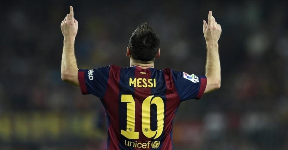 18.out.2014 - Messi comemora após marcar para o Barcelona contra o Eibar pelo Campeonato Espanhol