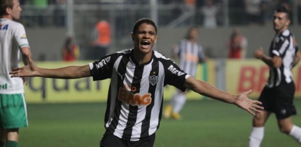 O jovem Douglas Santos é uma das novidades de Dunga para a Copa América centenário