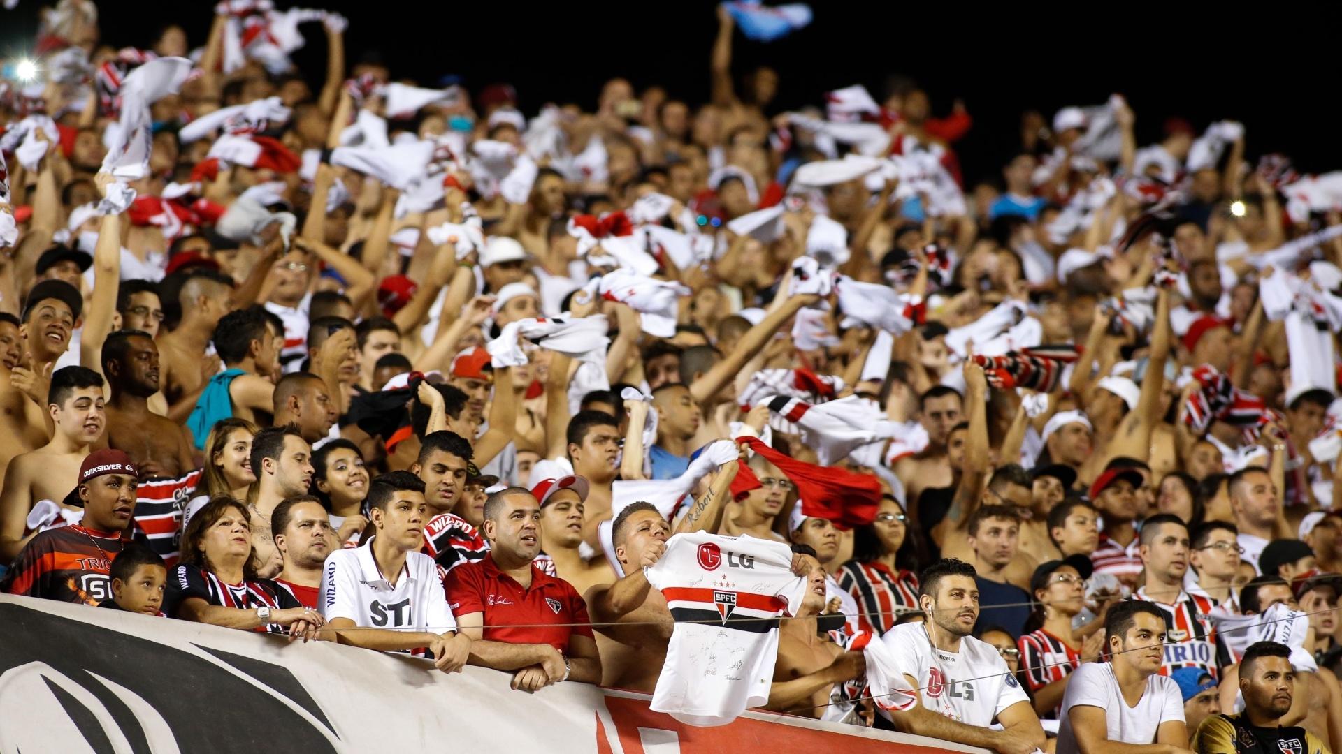Mais de 20 mil torcedores do São Paulo compareceram ao jogo no Morumbi