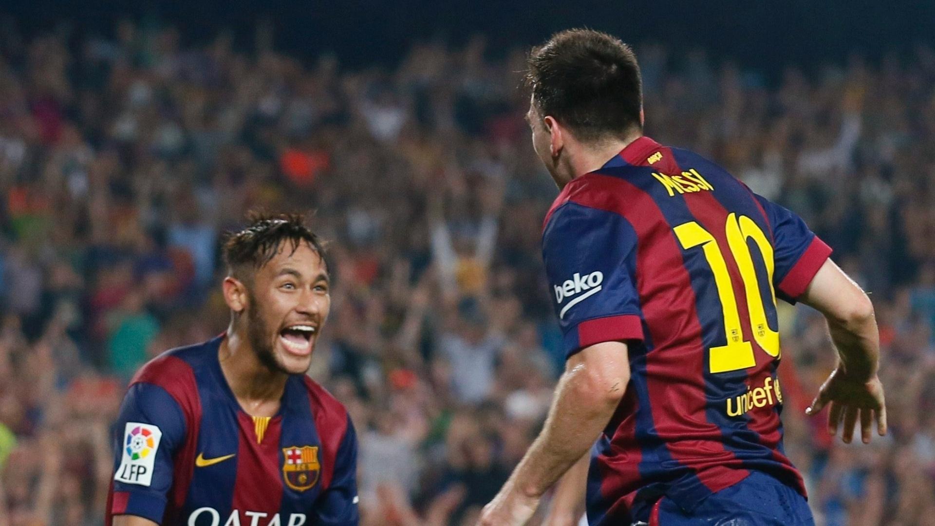 Neymar comemora vitória do Barcelona junto com Messi
