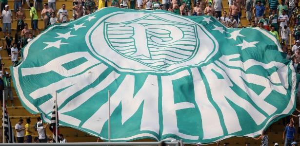 Torcida do Palmeiras precisa ajudar o time em jogos no Pacaembu, diz treinador