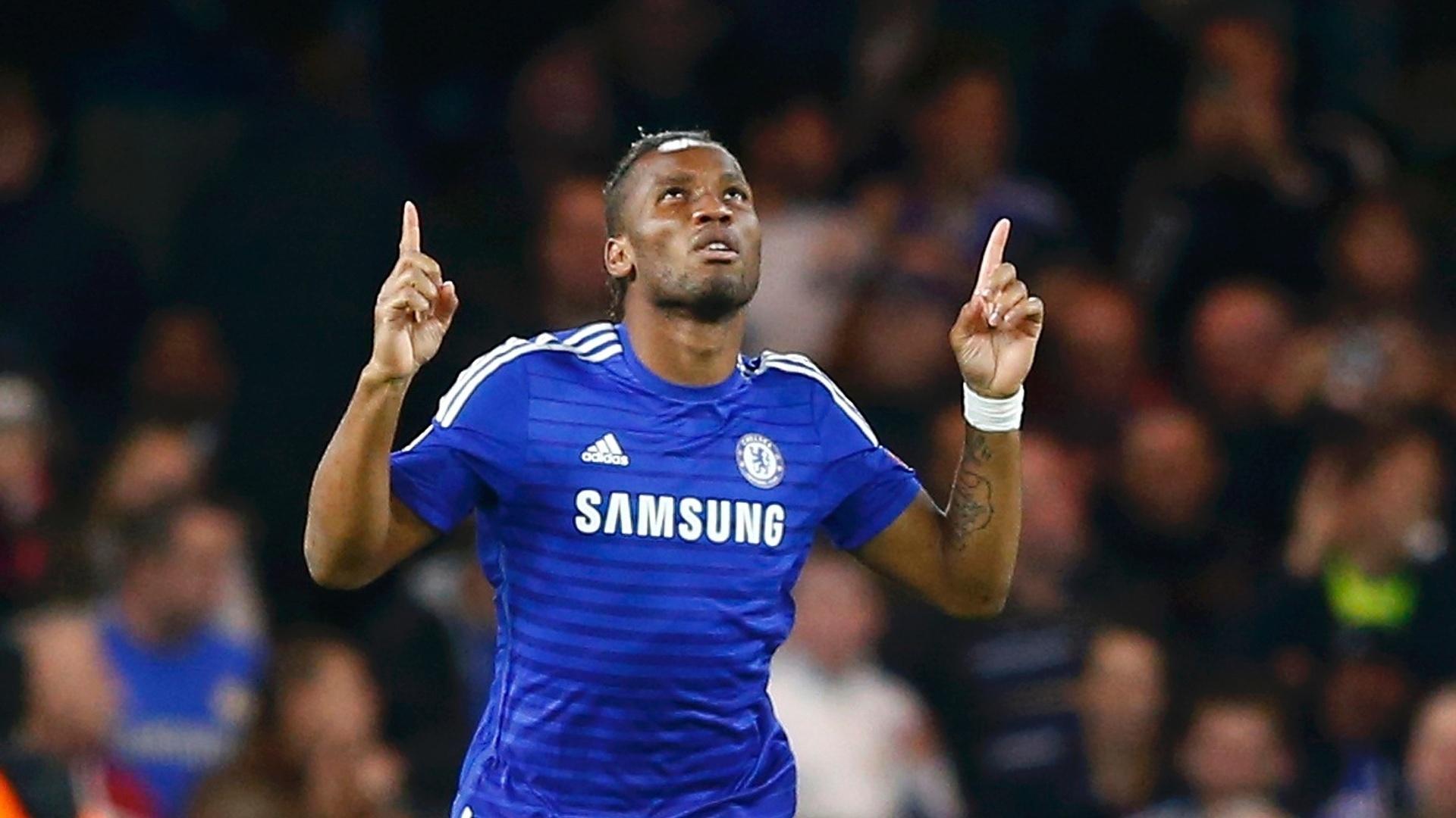 Drogba comemora seu gol pelo Chelsea na Liga dos Campeões