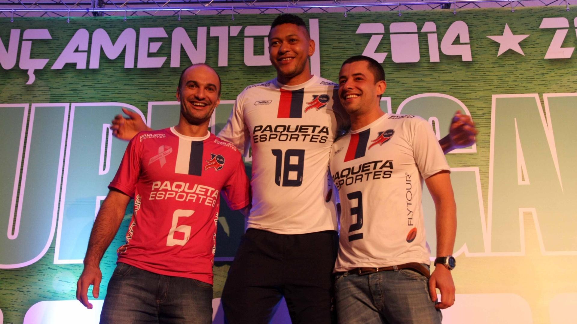 Jogadores do Voleisul Paquetá participaram de lançamento do torneio nesta terça-feira