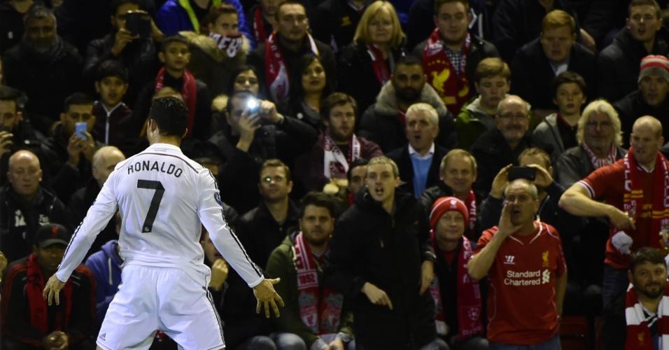 Cristiano Ronaldo, atacante do Real Madrid, comemora o gol marcado contra o Liverpool, pela Liga dos Campeões