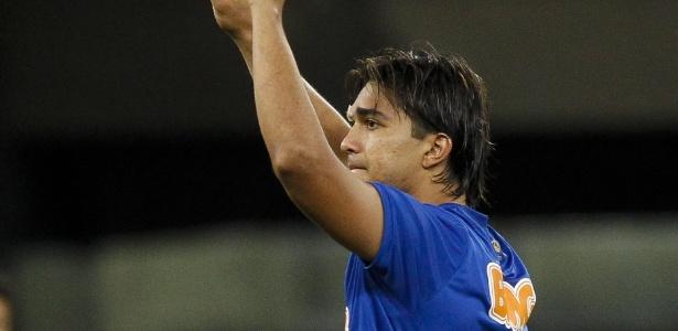 Pagamento de luvas é o principal entrave para acerto do Cruzeiro com Marcelo Moreno