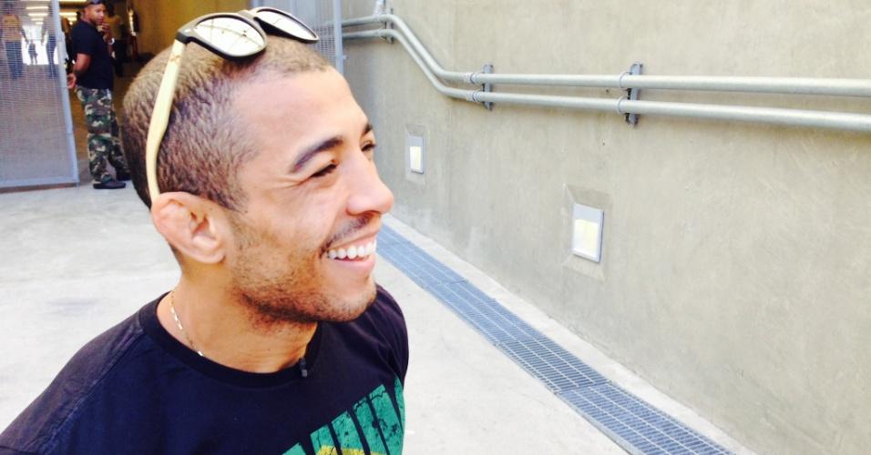 José Aldo chega para treino aberto do UFC 179, no Maracanã