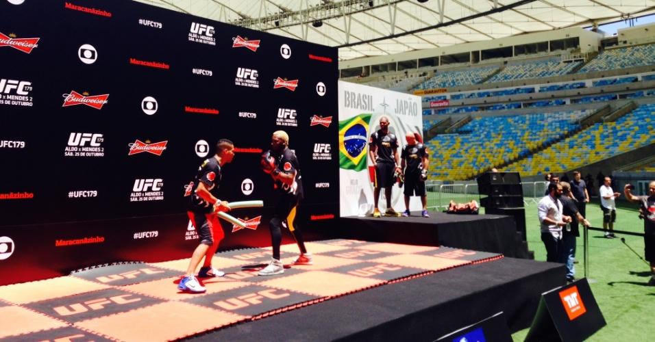 Patolino durante treino aberto para o UFC 179 no Maracanã