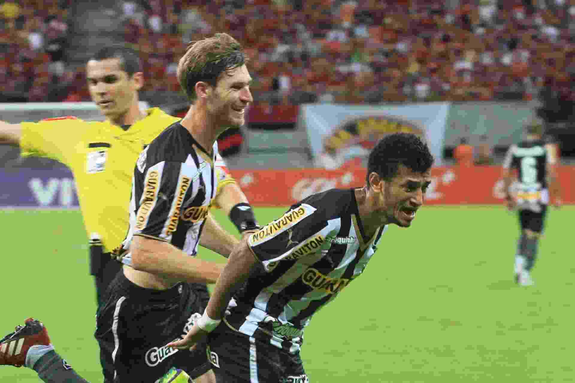Rogério comemora gol pelo Botafogo contra o Flamengo - DANILO MELLO/FOTO AMAZONAS/ESTADÃO CONTEÚDO