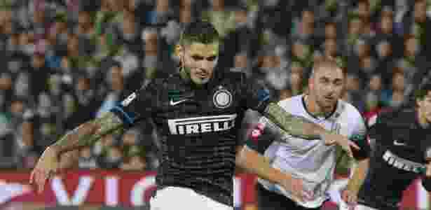 Icardi é alvo da fúria de torcedores da Inter de Milão por causa de biografia   - EFE/EPA/PASQUALE BOVE