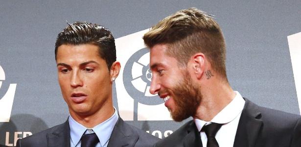 Cristiano Ronaldo e Sergio Ramos em premiação da Liga Espanhola - Alberto Martín/EFE
