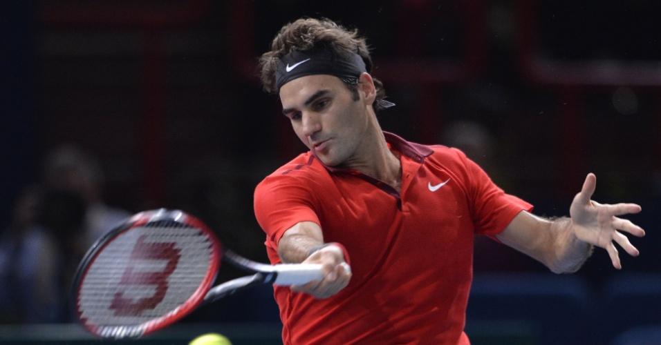 Federer ataca durante partida contra Jeremy Chardy