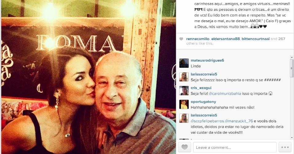 Carol Muniz beija o namorado Marco Polo Del Nero após críticas na internet