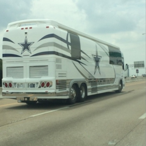 Ônibus de Jerry Jones, dono do Dallas Cowboys