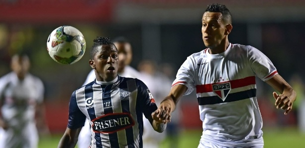 Souza será titular contra o Atlético Nacional - AFP PHOTO / NELSON ALMEIDA