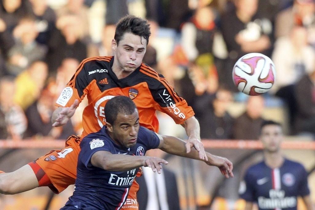 Lucas começou como titular no duelo do PSG contra o Lorient, pelo Campeonato Francês. Lucas não fez grande partida e foi substituído a 22 min do fim. PSG não contou com sua principal estrela: Ibrahimovic, que se recupera de lesão