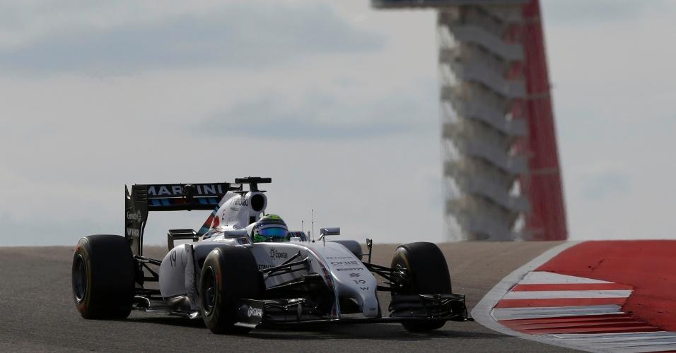 Felipe Massa, da Williams, guia com a torre do circuito de Austin ao fundo, no GP dos EUA