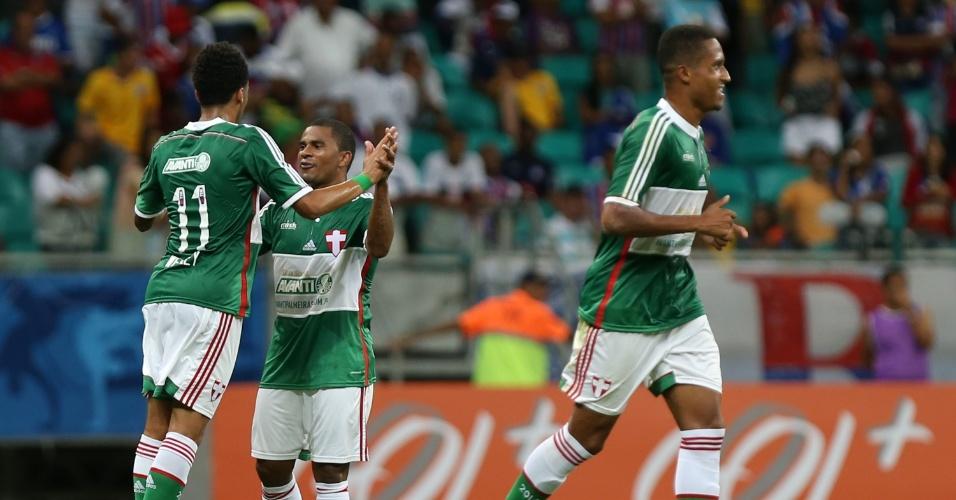 Jogadores do Palmeiras comemoram gol no Bahia pelo Campeonato Brasileiro