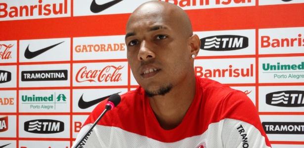 Alan Costa perdeu espaço após chegada de Argel e tem contrato até dezembro