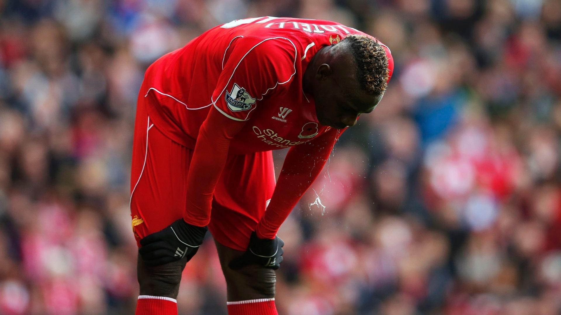 Balotelli lamenta lance em derrota do Liverpool