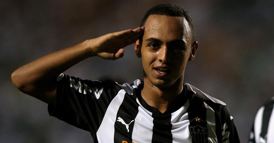 Dodô comemora o segundo gol do Atlético-MG sobre o Palmeiras no Pacaembu