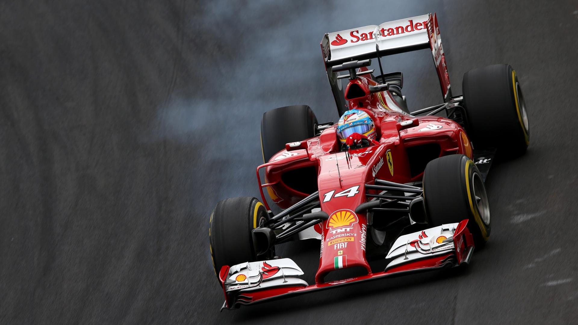 Fernando Alonso frita pneu durante sua tentativa de volta rápida em Interlagos. Espanhol sai em oitavo