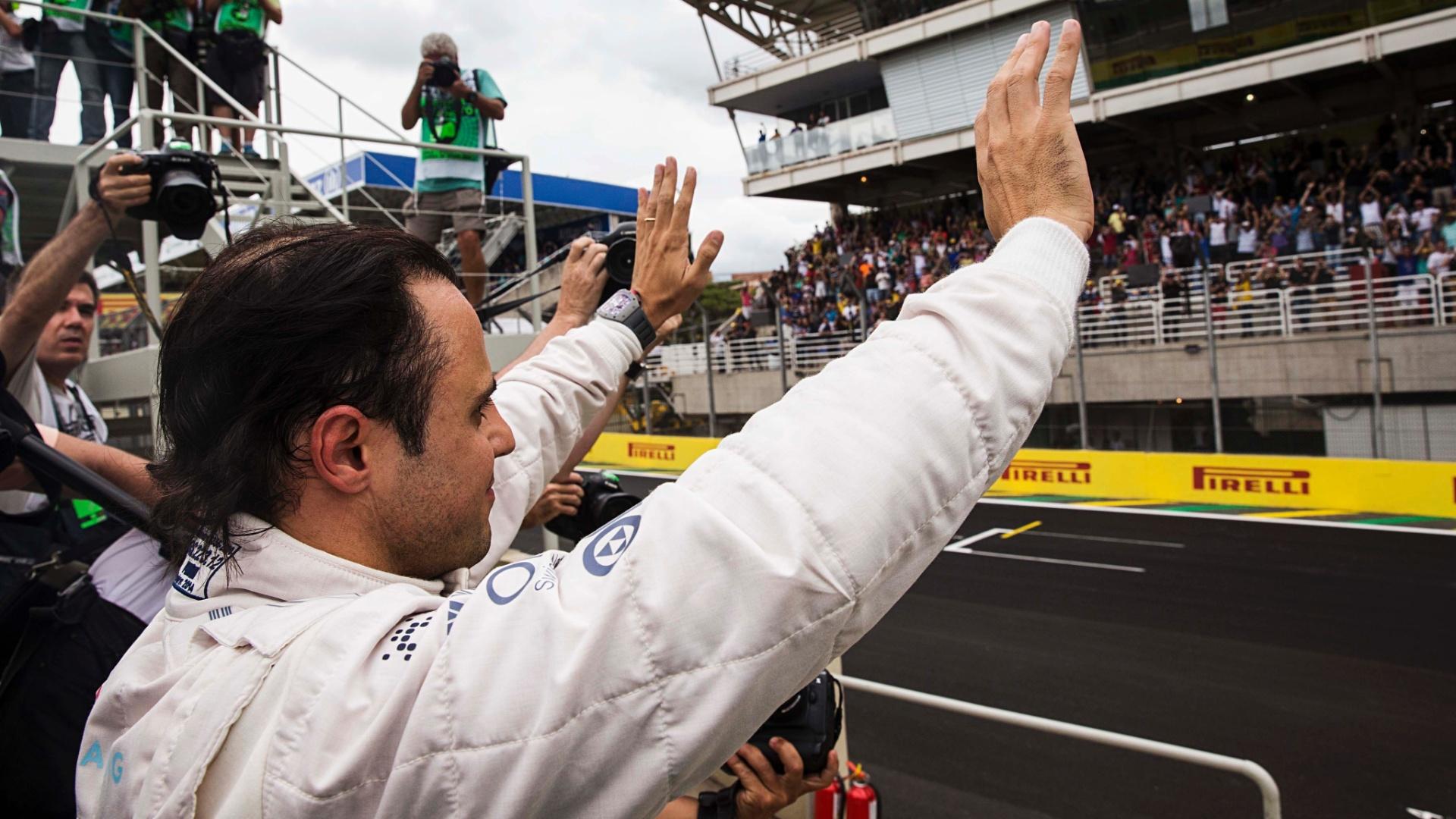 Massa teve o nome gritado pelo público presente em Interlagos