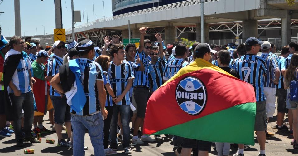 09 nov 2014 - Torcedores do Grêmio na Arena para clássico Gre-Nal