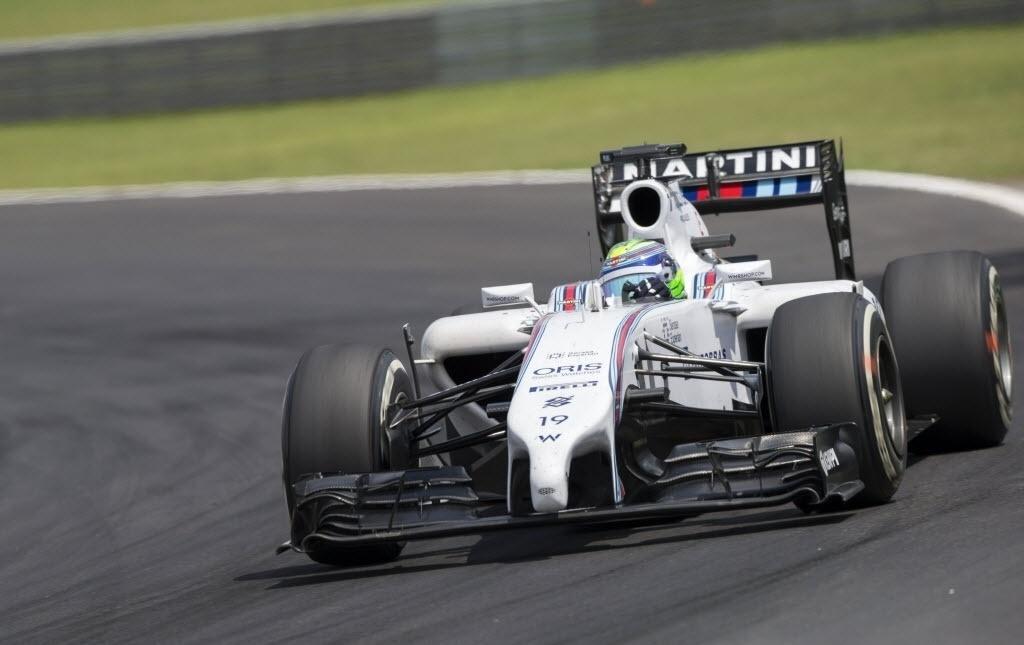 Massa conduz sua Williams no começo da prova de Interlagos; brasileiro foi punido no começo por alta velocidade nos boxes