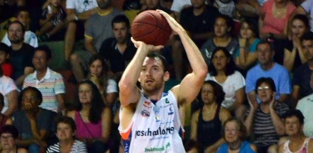 Robert Day não quis comentar sobre sua bolsa - Henrique Costa/Bauru Basket