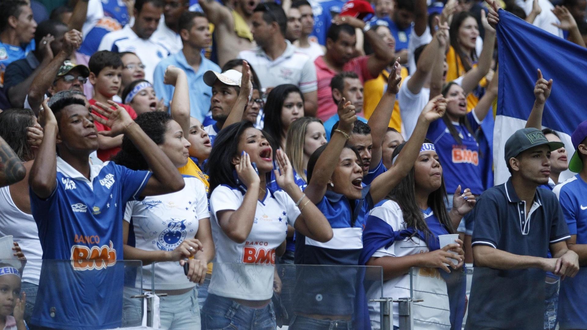 Torcedores do Cruzeiro na expectativa para o duelo com o Criciúma